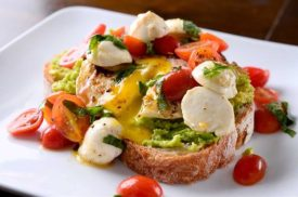 xcaprese-avocado-breakfast-toast-1200x795_jpg_pagespeed_ic__ul3AaG08s1-620x411