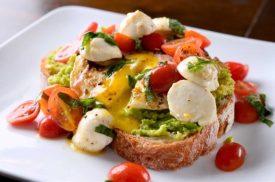xcaprese-avocado-breakfast-toast-1200x795_jpg_pagespeed_ic__ul3AaG08s1-620x411