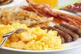 breakfast-scrambled-eggs-620x413
