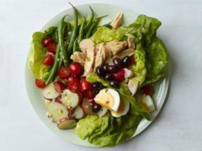 fnm_040113-classic-nicoise-salad-recipe_s4x3_jpg_rend_sni18col